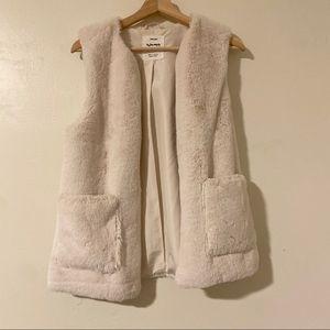 ZARA girls White Faux Fur Vest, 13/14 Large